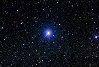 Castor appears as a bright single star to the naked eye (credit - Fred Espenak)