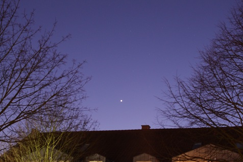 Venus is a brilliant evening star this month (freestarcharts.com)