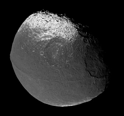 Mosaic of Iapetus images taken by the Cassini spacecraft on Dec 31, 2004 (NASA/Cassini_Probe/Matt McIrvin)